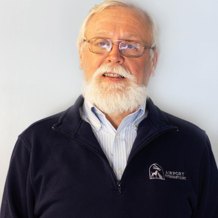 Jim Holscher </br> Veterinarian photo